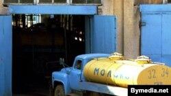 "Автоцистерна ""Молоко"" на заводе в Гродно"