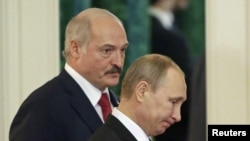 Президент Беларуси Александр Лукашенко (слева) и президент России Владимир Путин. Москва, 3 марта 2015 года.