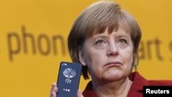 Прослушивание мобильного телефона Ангелы Меркель спецслужбами США стало одним из самых громких скандалов такого рода