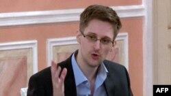 Эдвард Сноуден в Москве. Октябрь 2013 года