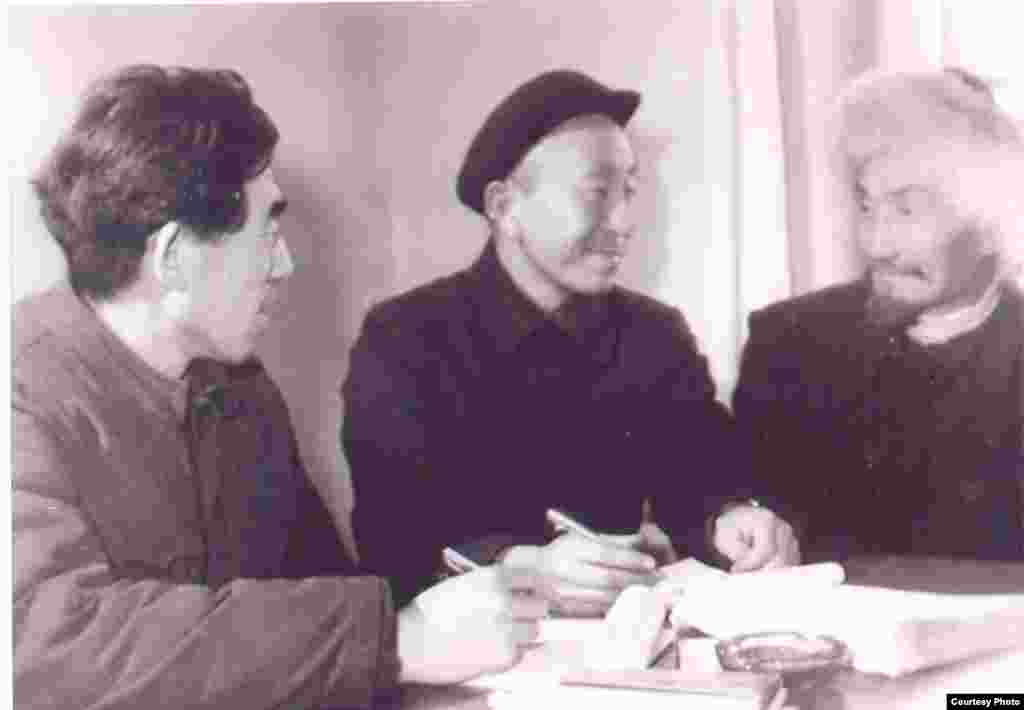 Жусуп Мамай, Сакен Өмүр, Мухаммед Ху Чжэнхуа. Архив.