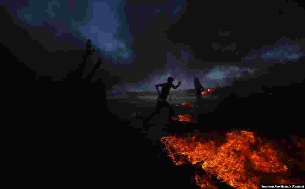 Палестинці палять шини та кидають каміння в ізраїльських правоохоронців