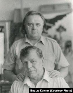 З майстрам габэлену Анатолем Кішчанкам, 1979 год