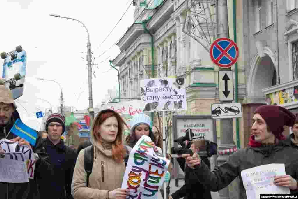 """Впервые за последние годы идеолог """"Монстрации""""Артём Лоскутовне был задержан полицией."""