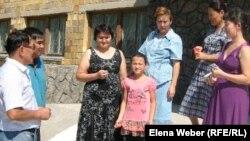 №24 мектеп оқушыларының ата-аналары. Теміртау, 14 тамыз 2011 жыл.