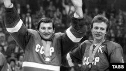 Владислав Третьяк и Вячеслав Фетисов на Олимпийских играх 1984 года