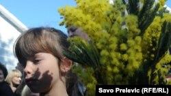 По информации российских СМИ со ссылкой на пресс-службу Сочинской таможни, объемы ввозимой из Абхазии мимозы в 2016 году выросли почти в четыре раза по сравнению с прошлым годом
