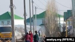 """""""Асар"""" шағынауданының тұрғындары. Шымкент, 2 наурыз 2014 жыл."""