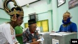 Индонезиядағы сайлау учаскесі. Джокьякарта , 9 шілде 2014 жыл.