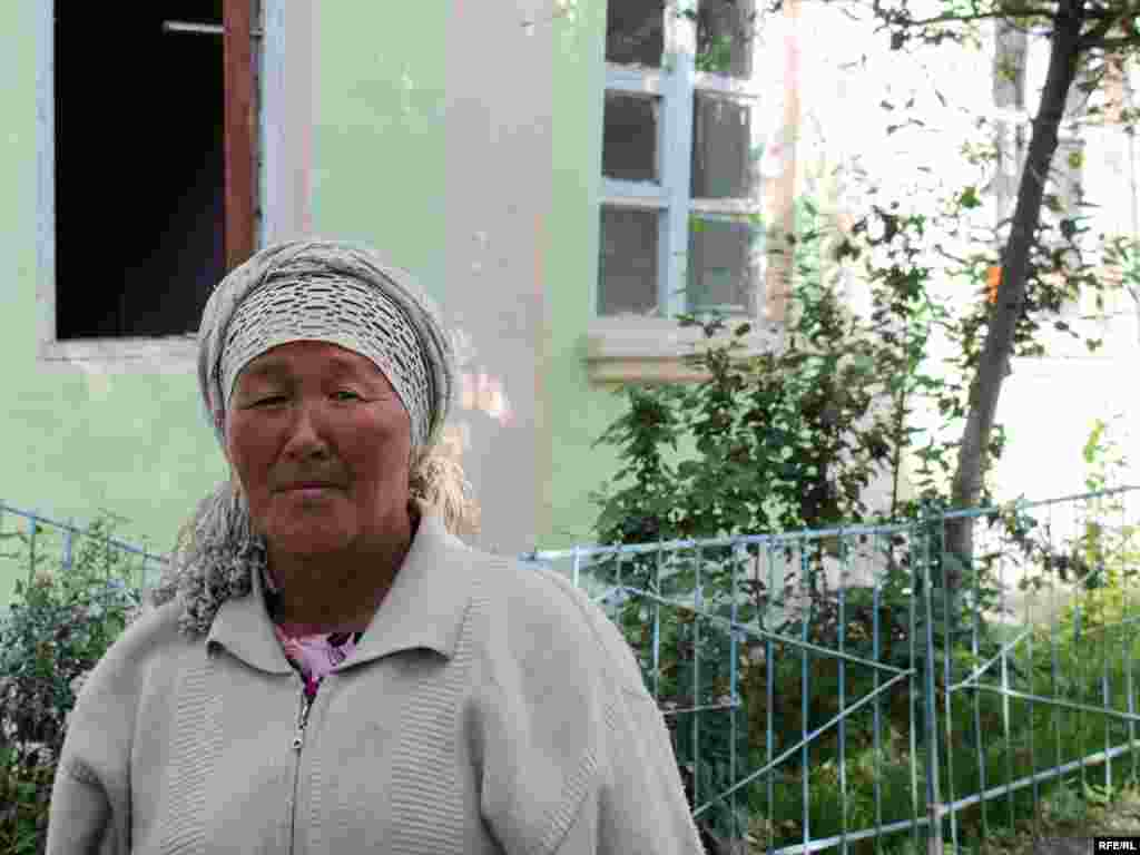 This ethnic Uzbek woman is the only resident of her street in Osh's Cheremushky neighborhood. -