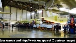 В одном из цехов авиационного завода в Комсомольске-на-Амуре