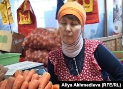 Гульдана Имашева, продавец на рынке. Талдыкорган, 25 января 2013 года.