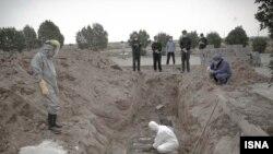 دفن قربانیان کرونا در اهواز