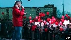 Yevgeny Roizman şəhərdə keçirilən etiraz yürüşündə, 2 aprel, 2018-ci il