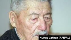 88-летний алматинец Рамазан Керимбайулы. Алматы, 29 октября 2012 года.