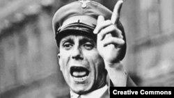 Joseph Goebbels - Hitlerin təbliğat naziri