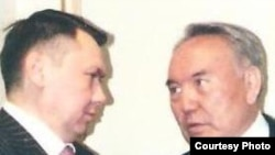 Rakhat Aliev (left) and his former father-in-law, Kazakh President Nursultan Nazarbaev