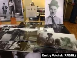 Открытки, плакаты, диски и книги, подготовленные к столетию Чарли