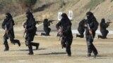 صورة من الأرشيف لشرطيات في باكستان يتدربن على مكافحة الإرهاب