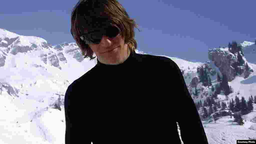 Стыльны беларус у швайцарскіх Альпах