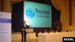 """""""Туризм жана климаттын өзгөрүшү"""" тармактын эл аралык жыйындарында быйыл талкууланган негизги темалардын бири болду"""