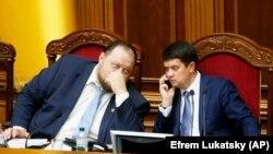 Голова Верховної Ради України Дмитро Разумков (праворуч) і перший віцеспікер парламенту Руслан Стефанчук