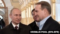 Віктар Медвядчук (справа) на сустрэчы з Уладзімірам Пуціным пад Масквой, 15 лістапада 2017 году