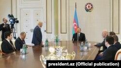 Prezident İlham Əliyev şahmat üzrə Avropa komanda çempionatının qaliblərindən ibarət nümayəndə heyətini qəbul edib.
