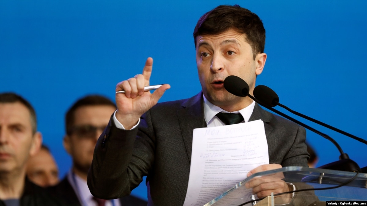 Суд рассмотрит иск о снятии Зеленского с выборов, в штабе кандидата говорят о безосновательности