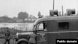 Пропагандистский грузовик немецких войск