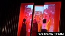 ممثلون عراقيون على خشبة احد مسارح لندن