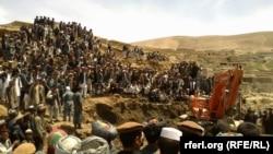 Бадахшандын Арго районунун там-жайсыз калган тургундары өкмөттүк жана бейөкмөт уюмдардан жардам күтүп жатышат, 3-май, 2014