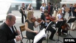 Музична культура в Україні має давні і глибокі традиції.