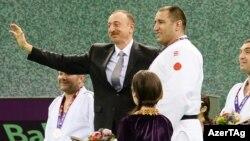 İlham Əliyev medalların təqdimatı mərasimində - 26 iyun 2015