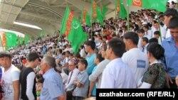 La cursa de cai din Turkmenistan