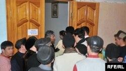 Безработные пришли на ярмарку вакансий в Атырау. Иллюстративное фото.
