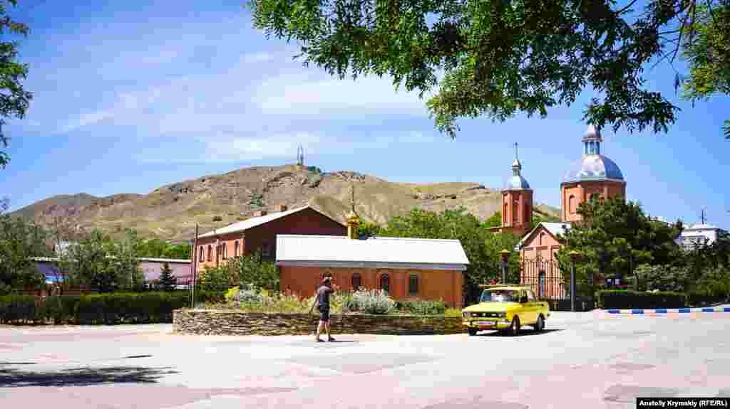 C 2000 года в поселке действует православный храм Святого Стефана Сурожского. Он расположен в самом центре курортного поселка