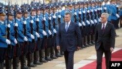 Президент України Віктор Янукович і президент Сербії Томислав Николич, Белград, 6 травня 2013 року