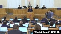 Заседание нижней палаты парламента Таджикистана