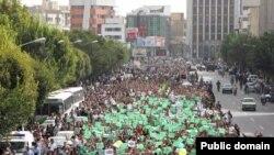 """""""Жасыл қозғалыс"""" мүшелерінің Тегерандағы шеруі. 15 маусым 2009 жыл"""