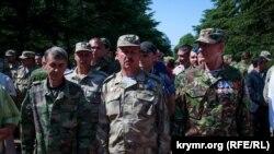 Награждение самообороны Крыма «Медалью за Защиту Крыма». Симферополь, 12 июня 2015 года