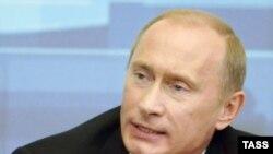 Некое волнение президент выказал лишь один раз, отвечая на вопрос о Политковской и Литвиненко