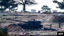 Թուրքական զինված ուժերի տանկը թուրք-սիրիական սահմանի մոտ, 15-ը փետրվարի, 2016թ