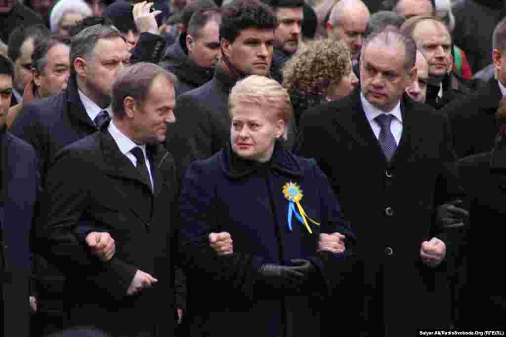 Президент Європейської ради Дональд Туск, президент Литви Даля Ґрібаускайте, президент Словаччини Андрей Кіска