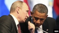 Президент Росії Володимир Путін (ліворуч) і президент США Барак Обама
