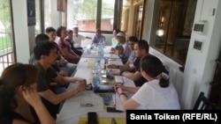 Заседание инициативной группы поддержки активистов. Атырау, 6 июня 2016 года.
