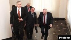 Сопредседатели Минской группы ОБСЕ в Ереване (архивная фотография)