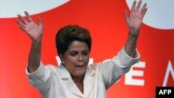 Դիլմա Ռուսեֆը տոնում է իր հաղթանակը Բրազիլիայի նախագահի ընտրություններում, Բրազիլիա, 26-ը հոկտեմբերի, 2014թ.