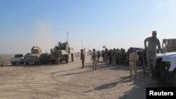 Pamje e forcave të sigurisë së Irakut në përgatitje të sulmeve kundër militantëve të IS-it