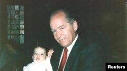 Уайти Балджер с младшим сыном одного из членов своей банды